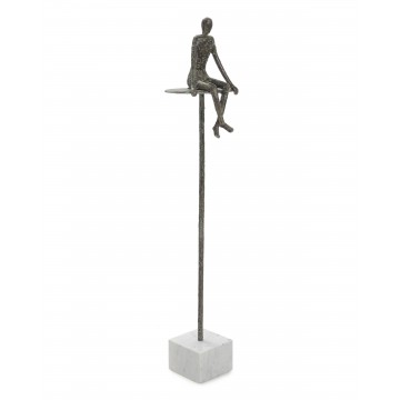 ESCULTURA SITTING ON THE...